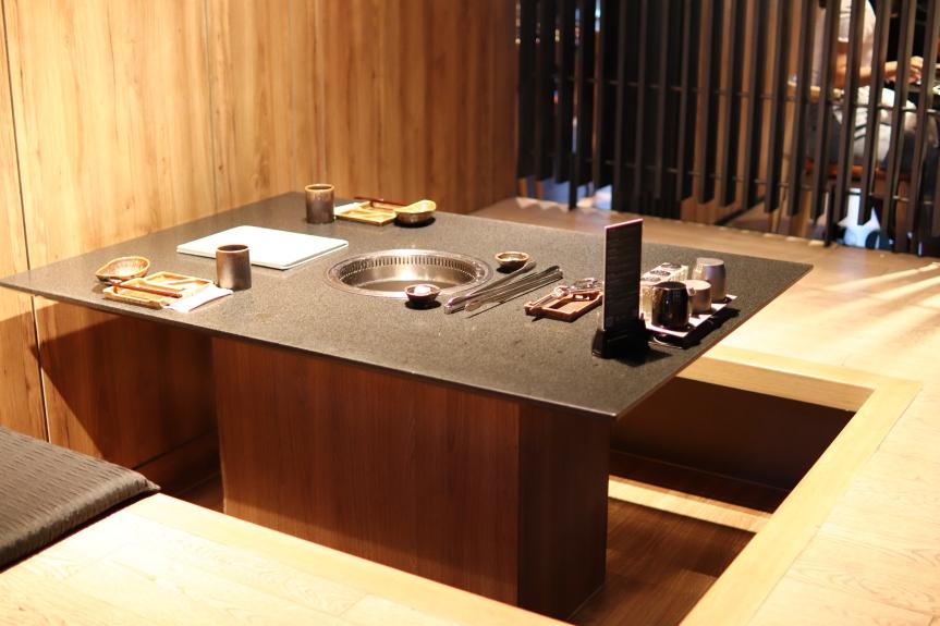 碳佐麻里時代店 工業風外觀 和室內裝