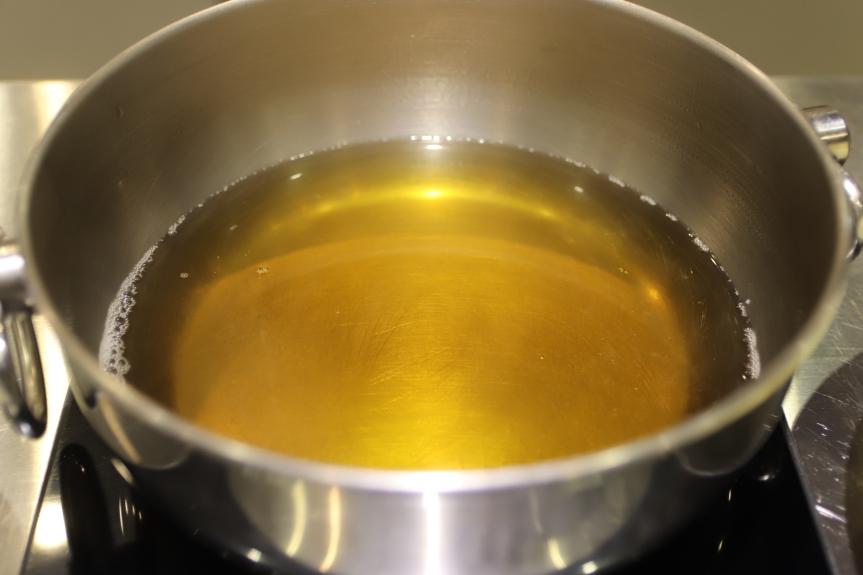 德朗火鍋 不加一滴水的雞湯